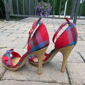 Anne Michelle 7 1/2 Plaid Ruffled Stiletto Shoes